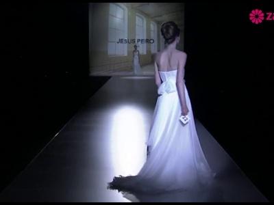 Desfile Jesús Peiró 2014, colección de novia con detalles de costura