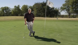 This is How to Putt Uphill Properly