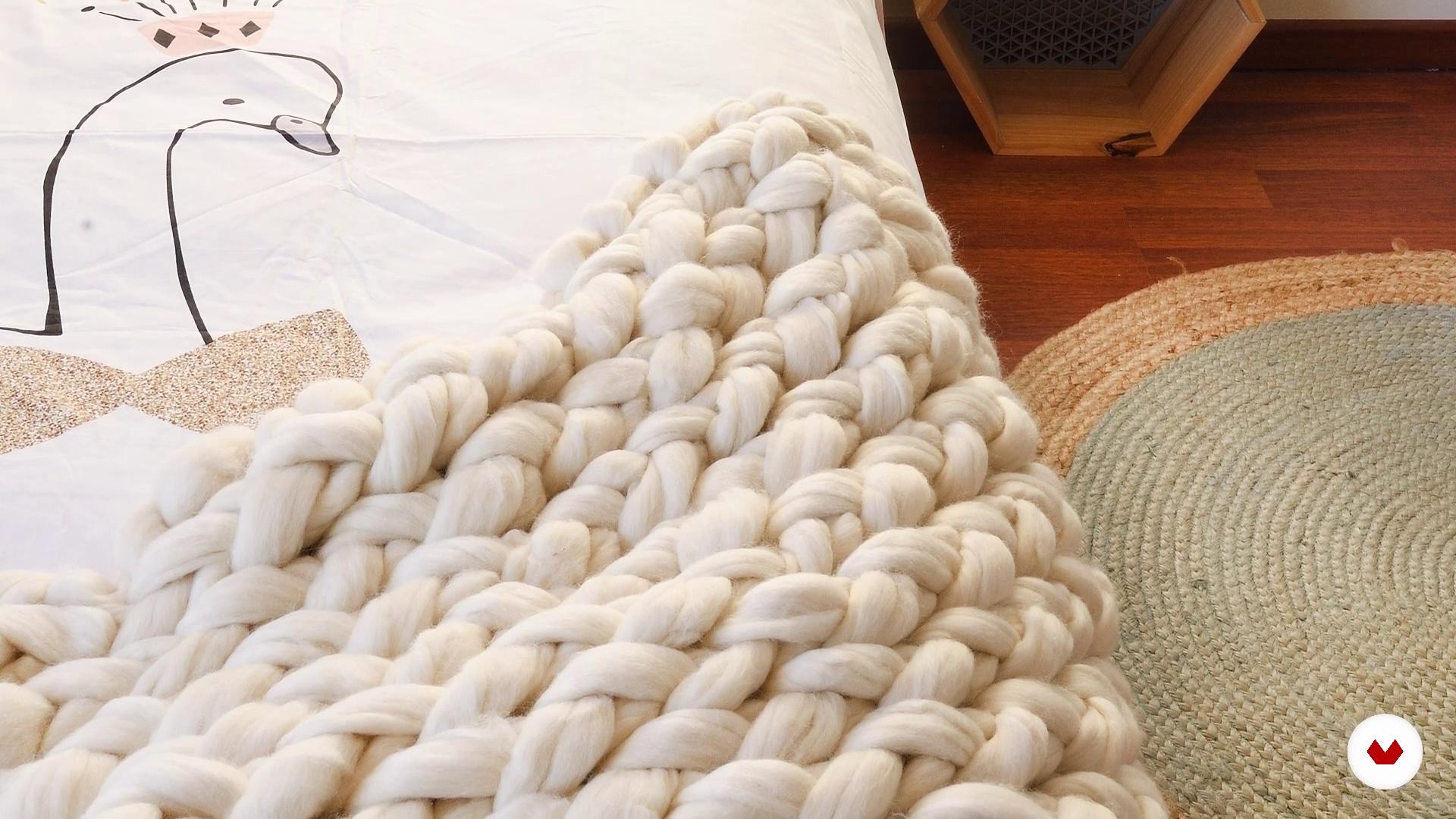 Wie Viel Wolle Brauche Ich Um Meine Decke Zu Machen Einfuhrung In Das Armstricken Und Wollfarben Inspiratemirando Domestika
