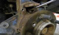 Replacing Rear Brake Backing Plates On Range Rover Full Size