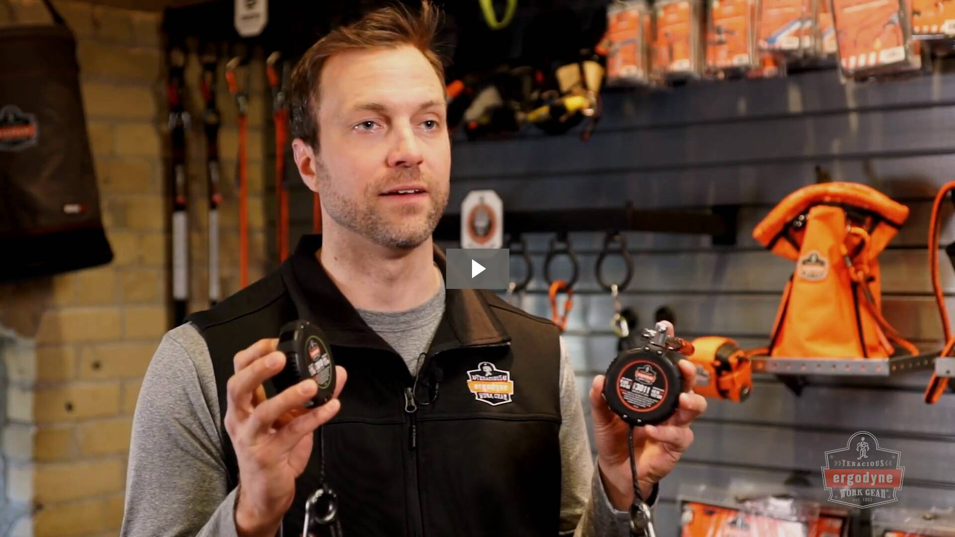 Ergodyne Product Video - Squids<sup>®</sup> 3011 Retractable Tool Lanyard with Carabiner Mount - 8lbs / 3.6kg