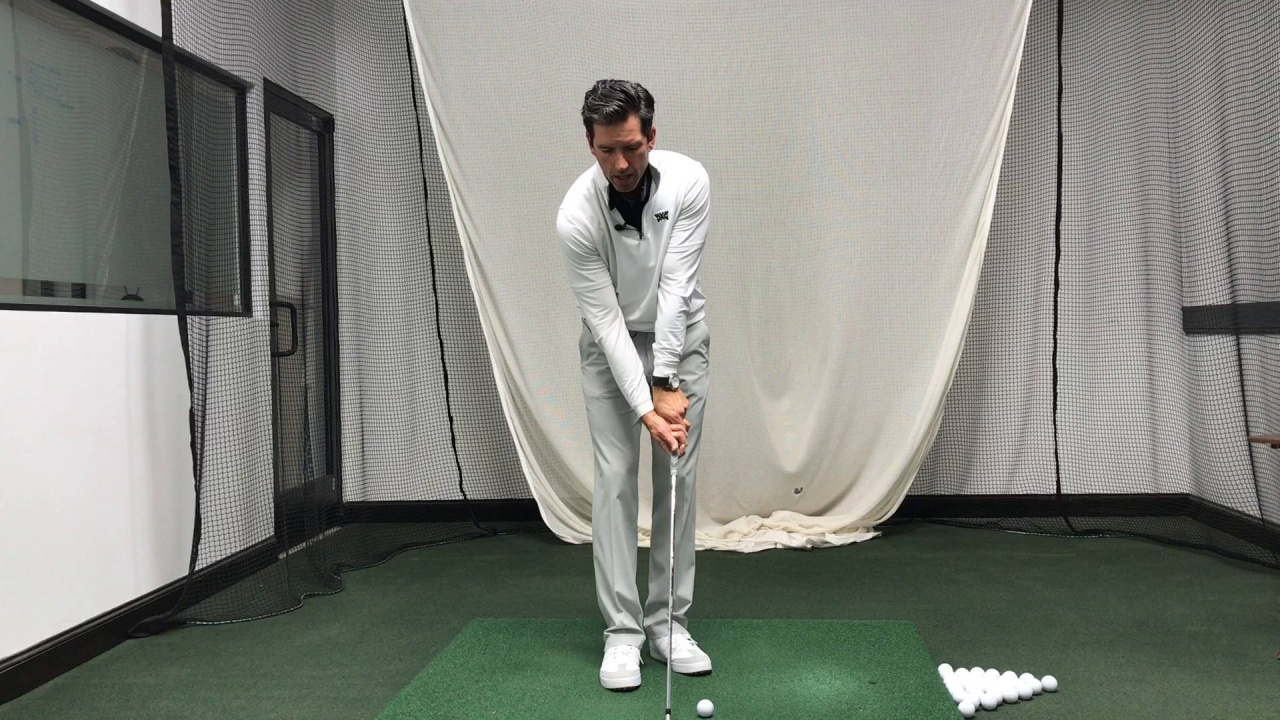 Weak Grip vs Strong Grip in the Golf Swing