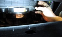 Pollen Filter Replacement On LR3, LR4 Or Range Rover Sport video screen shot