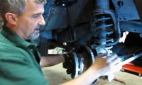 Brake Hose And Fluid Service On Discovery Series I, 1994 - 1999