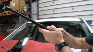 Installing LR2 Wiper Blades With Aftermarket Design