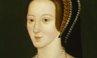 How did noblewomen exercise political influence at the court?