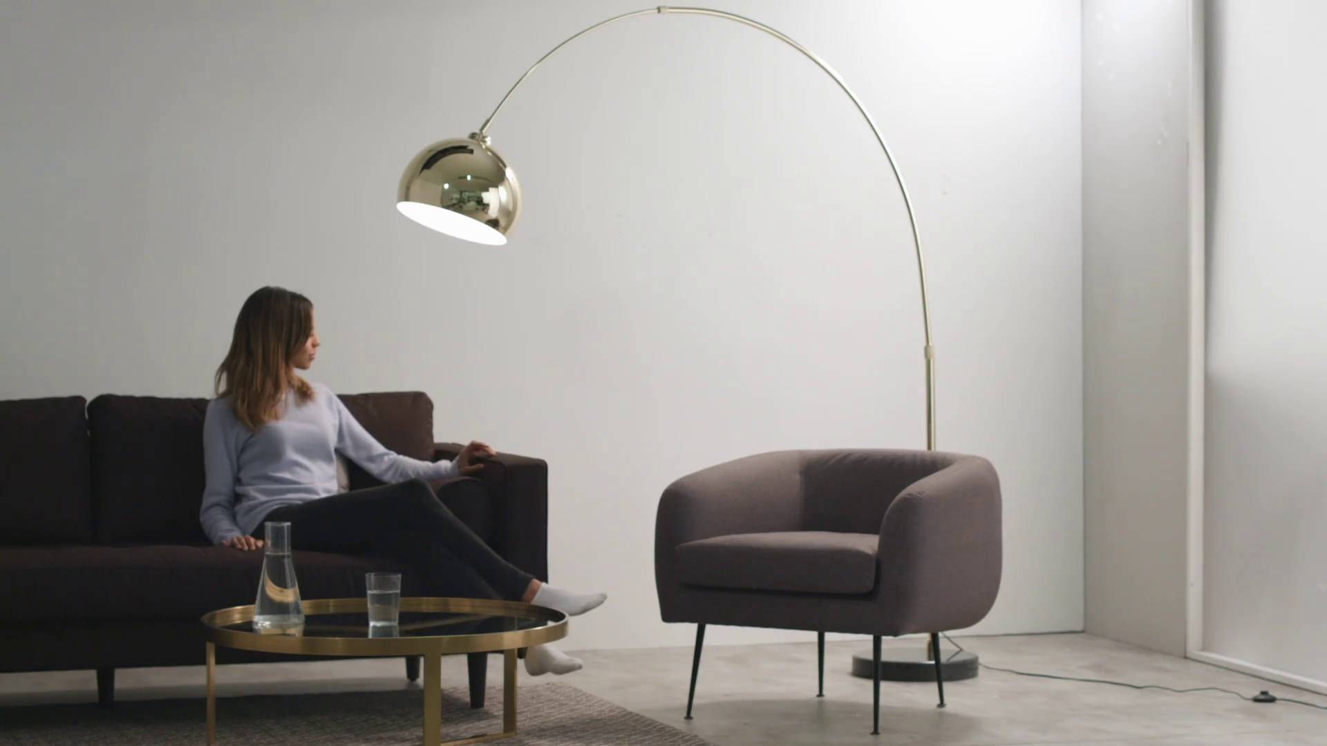 Bow grote staande lamp in chroom en marmer made