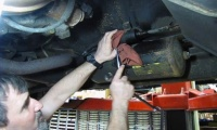 Fuel Filter Service On Range Rovers, Defenders And Discovery I video screen shot