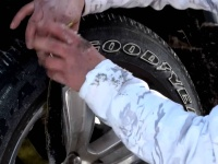 Video: Trac-Grabber | Tire Traction Straps