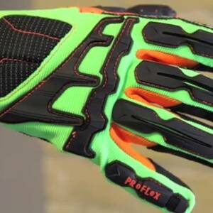 Ergodyne Product Video - ProFlex<sup>®</sup> 925CPWP Thermal Waterproof Cut, Puncture & DIR Gloves
