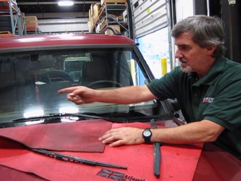 Wiper Blade Replacement: Discovery 1 Wiper Instructions