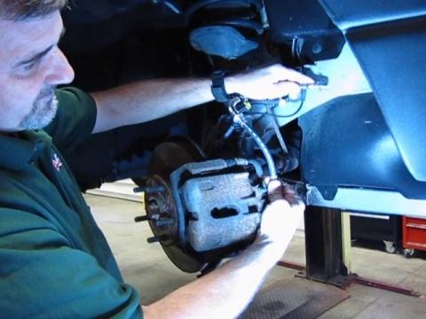 Brake Hose And Fluid Service On Freelander