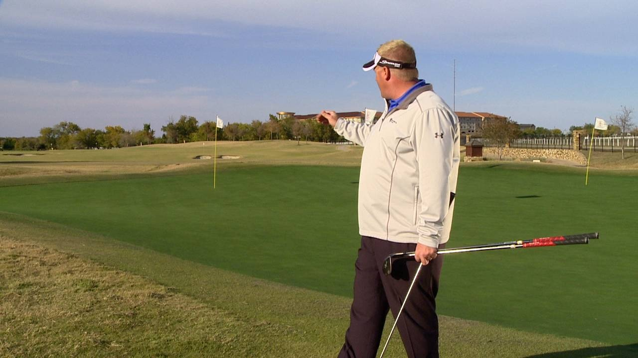 Recognize Green Elements to Hit Pitch Shots Close