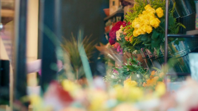Flowers Delivered Send Flowers Online With Interflora Uk