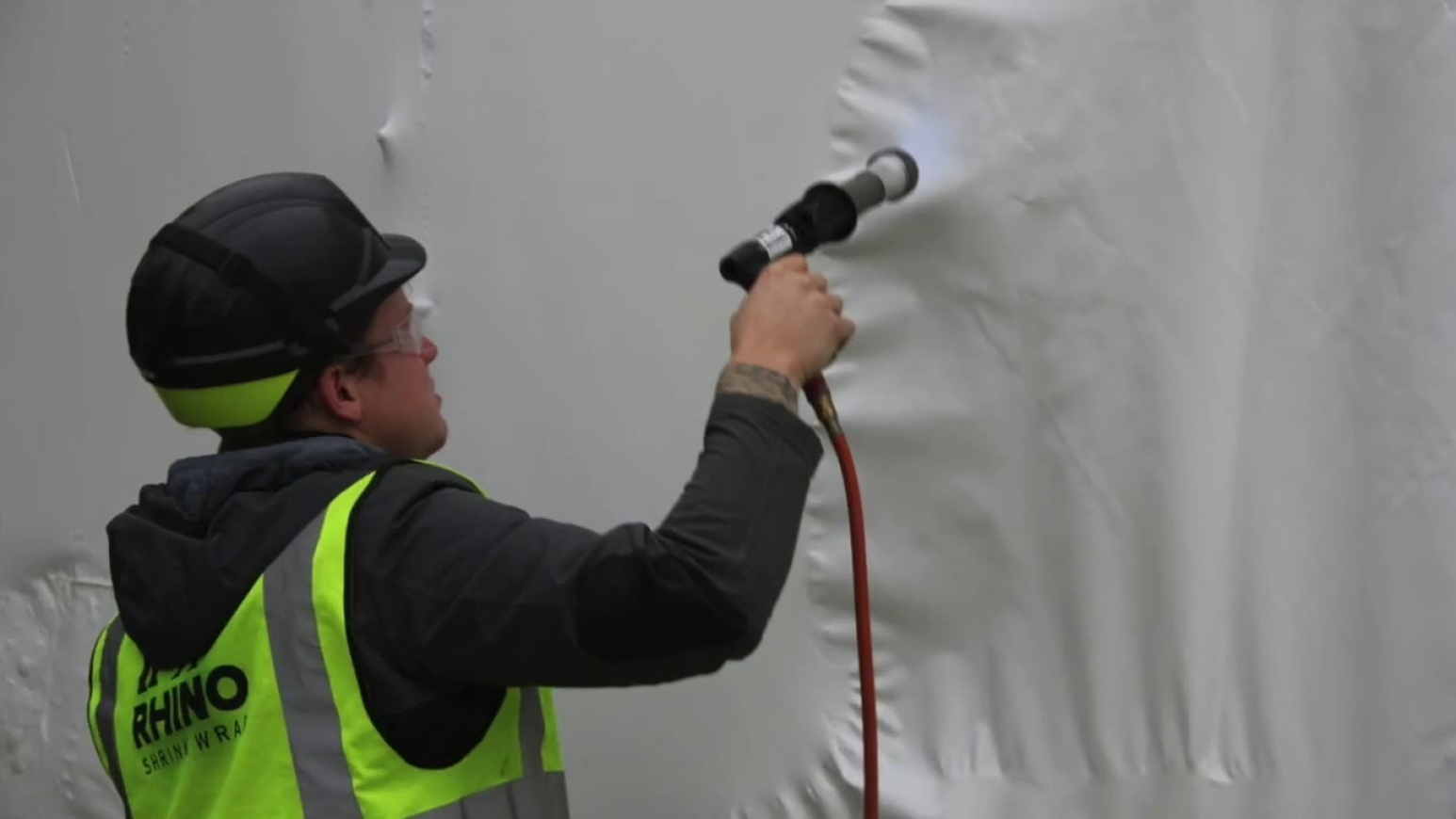 How Tight Does Shrink Wrap Fit Around Scaffolding?