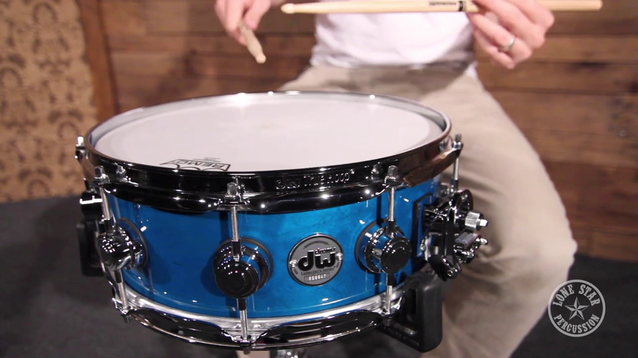 dw 5 x 14 collector 39 s series maple snare drum in regal blue specialty lacquer drls0514ssc. Black Bedroom Furniture Sets. Home Design Ideas