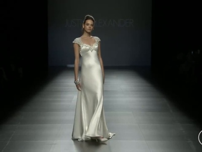 Todo el movimiento y detalle de los vestidos de novia corte imperio para el 2016