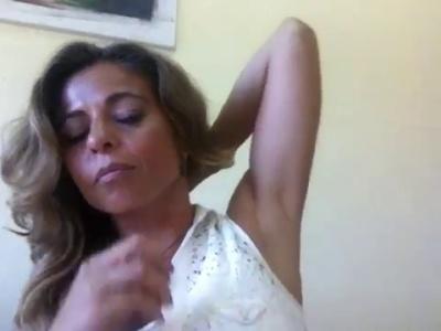 'Pentear o cabelo só para um lado' by Sofia Novais de Paula/Diário de um Batom