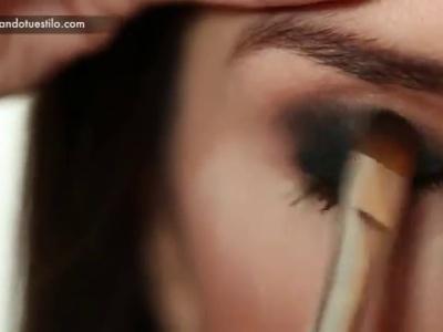 Maquillaje con ojos ahumados para las novias más sensuales