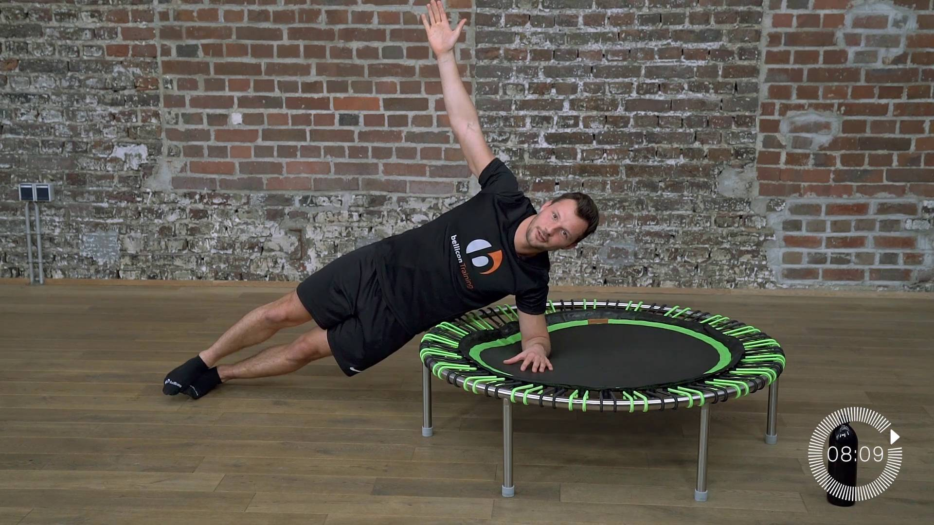 Die Plank-Challenge mit Beran | Mini Trampolin Training Video ...