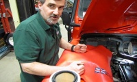 Air Filter Replacement On A D90, D110 Or Range Rover Classic