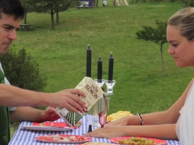 Una invitación de boda en vídeo muy natural
