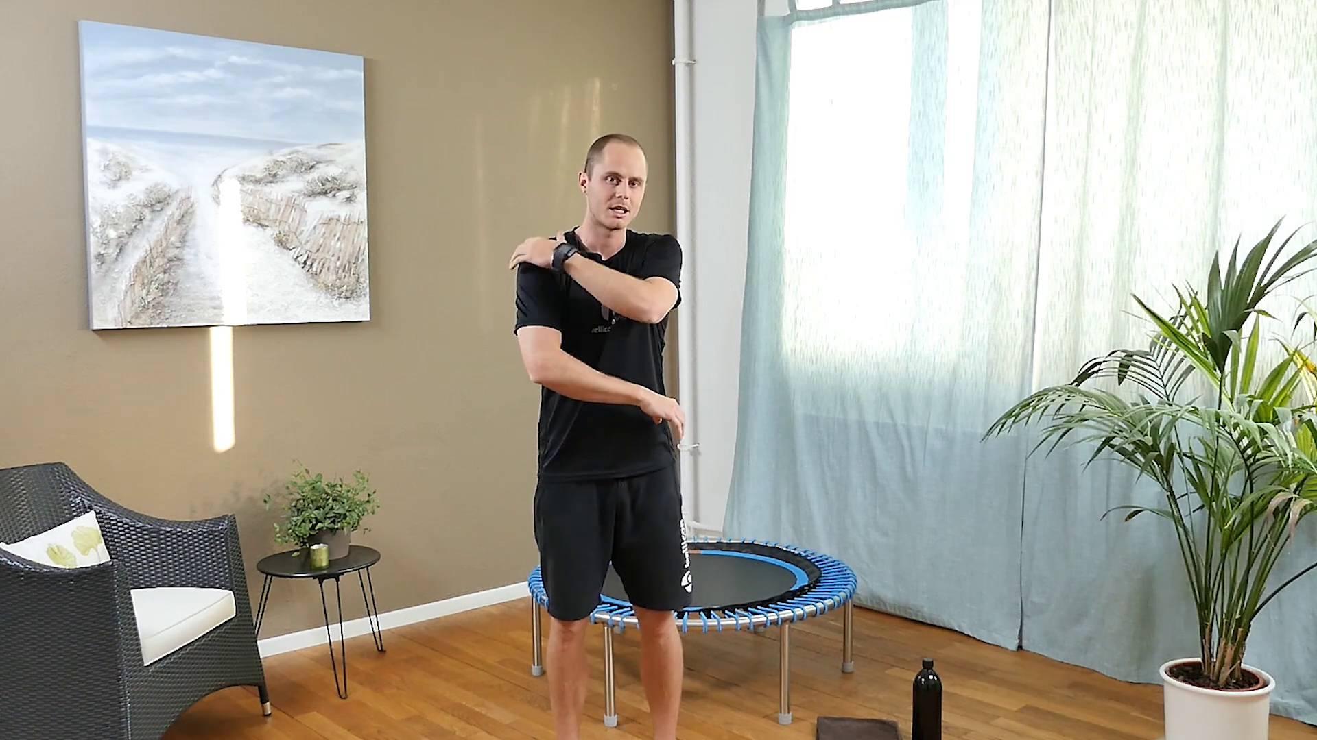 Peters Training für kraftvolle Schultern und Arme | Mini Trampolin ...
