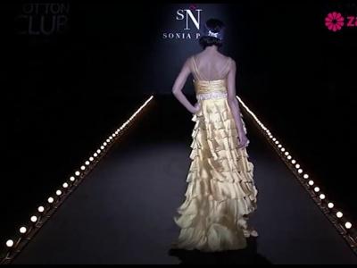 Suknie ślubne 2014: pokaz kolekcji Sonia Peña