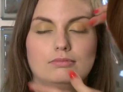 Come creare uno smokey eyes estivo