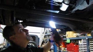 Oil Change On Land Rover Discovery 2 Or Range Rover P38