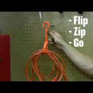 Ergodyne Product Video - Squids<sup>®</sup> 3560L Tie Hook - Hand Grip