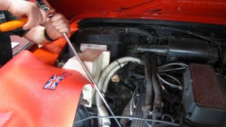 Spark Plug And Tuning Kit Service On Defender 90, Range Rover Or Discovery I