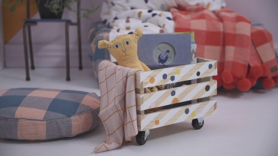 Habitat TV Video: Handy crate toy box
