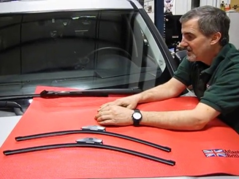 Wiper Blade Replacement On LR3, LR4 Or Range Rover Sport