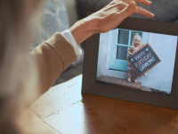 Video: Aura | Smart Connected Picture Frames