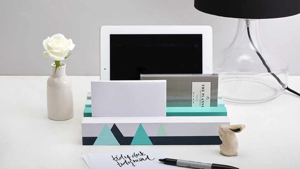 Habitat TV Video: Desk tidy