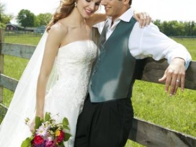Mira esta romántica selección de vestidos de novia desde Europa